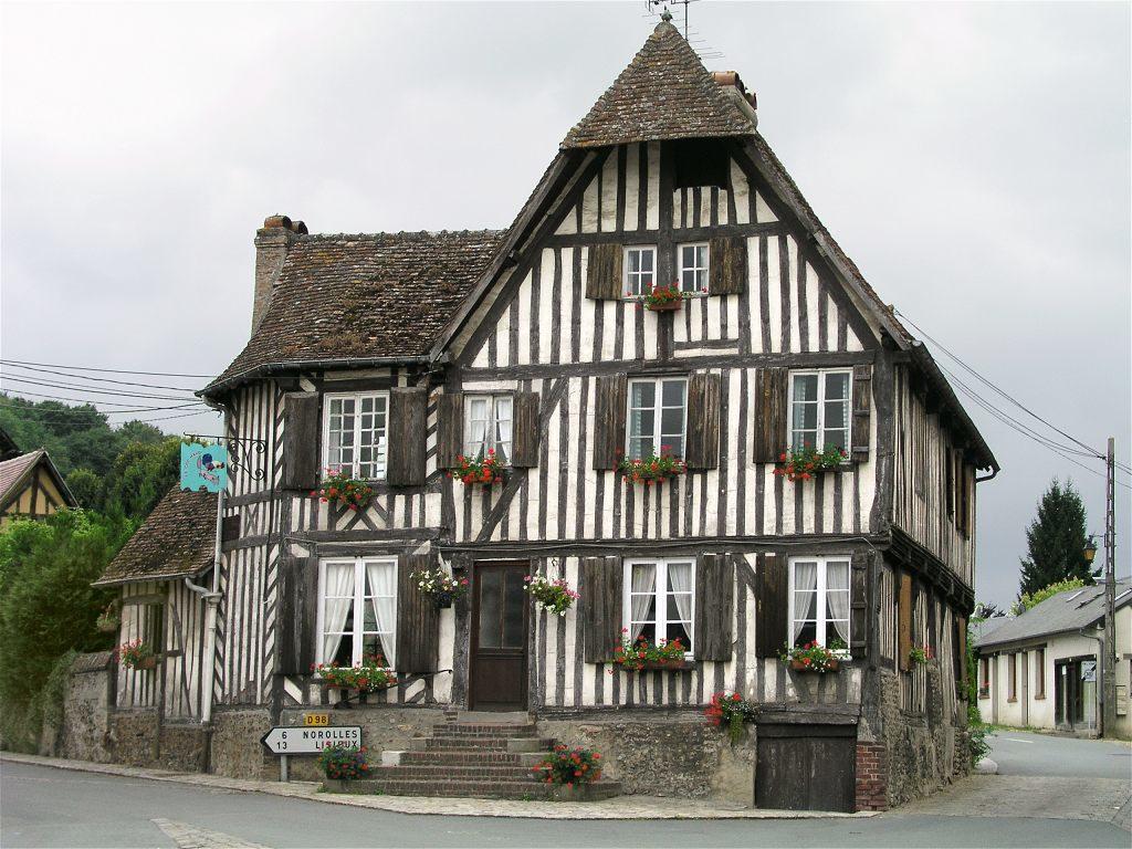 L'ancienne auberge Le Coq hardi.